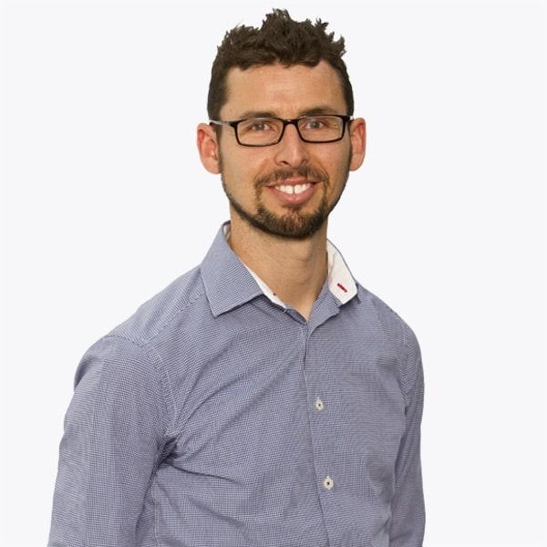 Dr Steve Lyon
